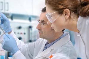Hiện đại hóa sản xuất dược phẩm để tăng hiệu quả! - Hóa dược Quí Long